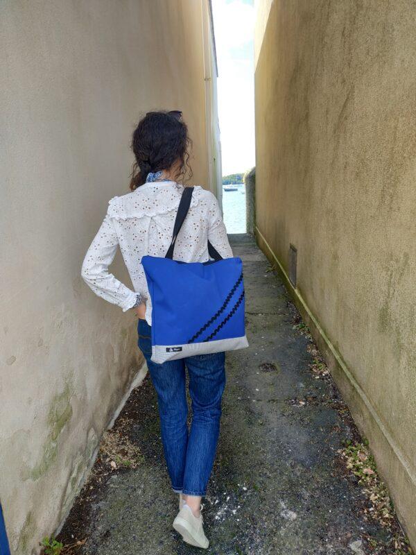sac weekend-rayé gris et blanc-bleu-vagues noires