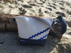 besace-marine-blanc lin-vagues marines