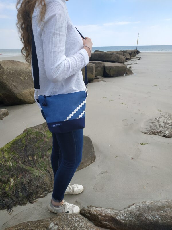 besace-marine-bleu-vagues blanches
