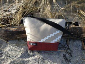 Besace-rayé bordeaux noir-sable-vagues blanches