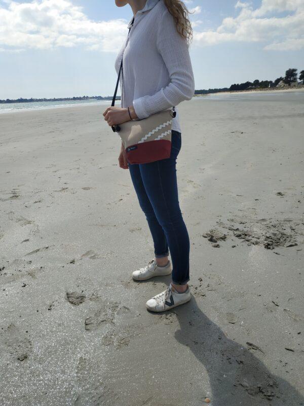besace-rayé noir et bordeaux-sable-vagues blanchesu-sable